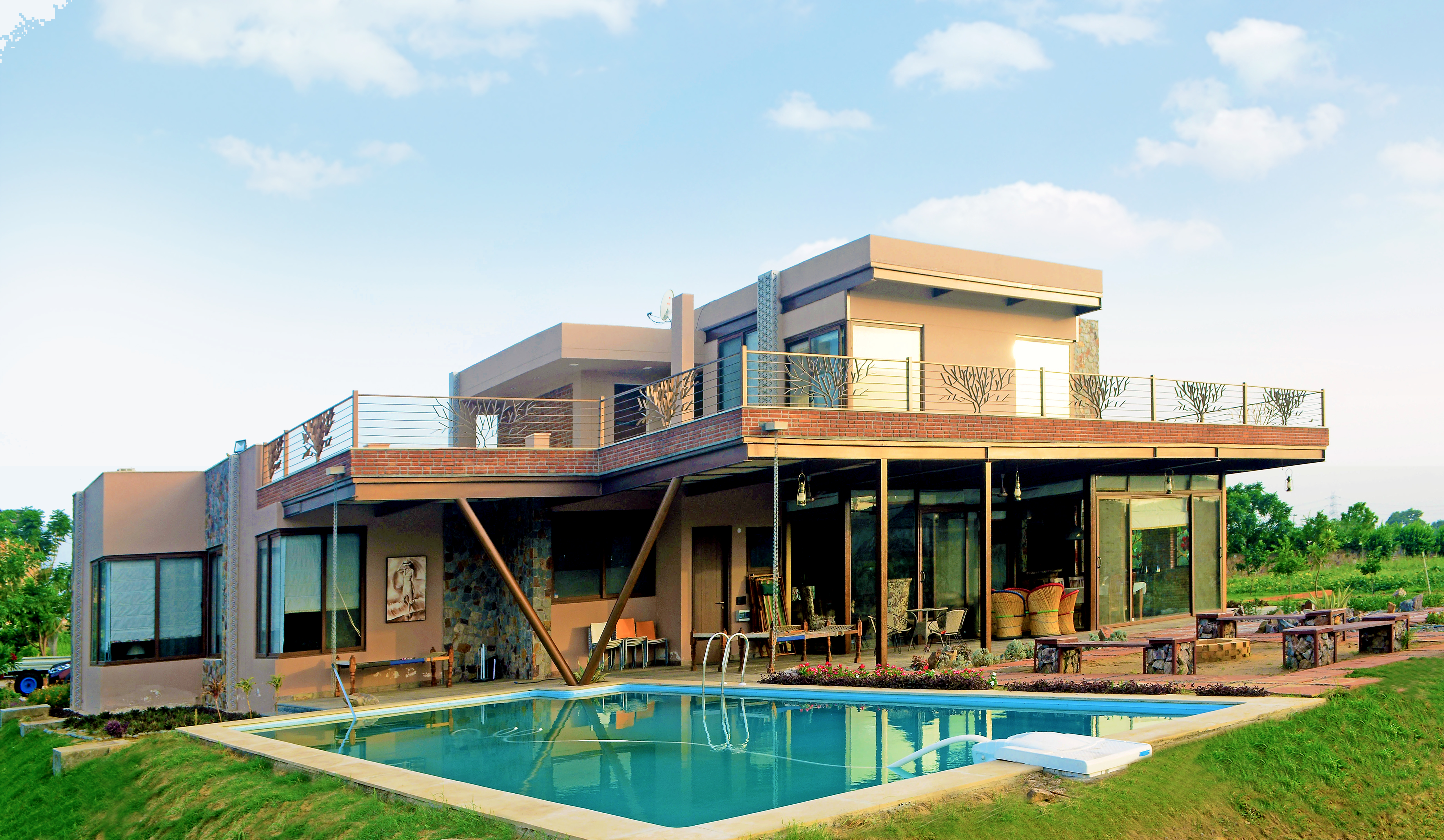 2. Farm House - Pool Side